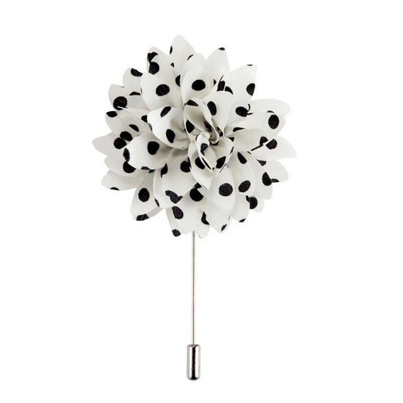 Bílo - černá brož Květina puntíčky